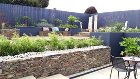 Alison Bockh Garden Design - Much more space between house and wall